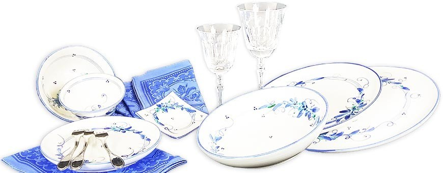 Des assiettes originales de vaisselle artisanale fait main en Provence
