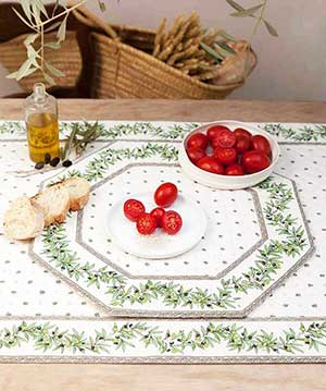 set de table en tissu matelassé